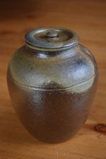 Bigger tea leaf storage jar No.5; 58 EUR; 65 USD